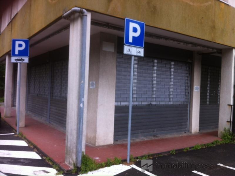 Affitto capannone/magazzino Genova
