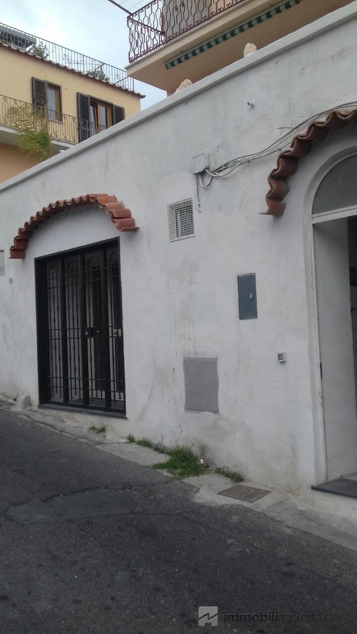 Affitto locale commerciale Napoli